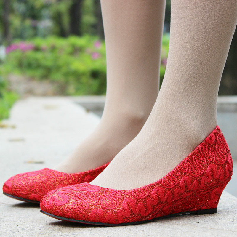red lace shoes9  10 Valentine 2016 Red Lace Shoes for Girls red lace shoes9