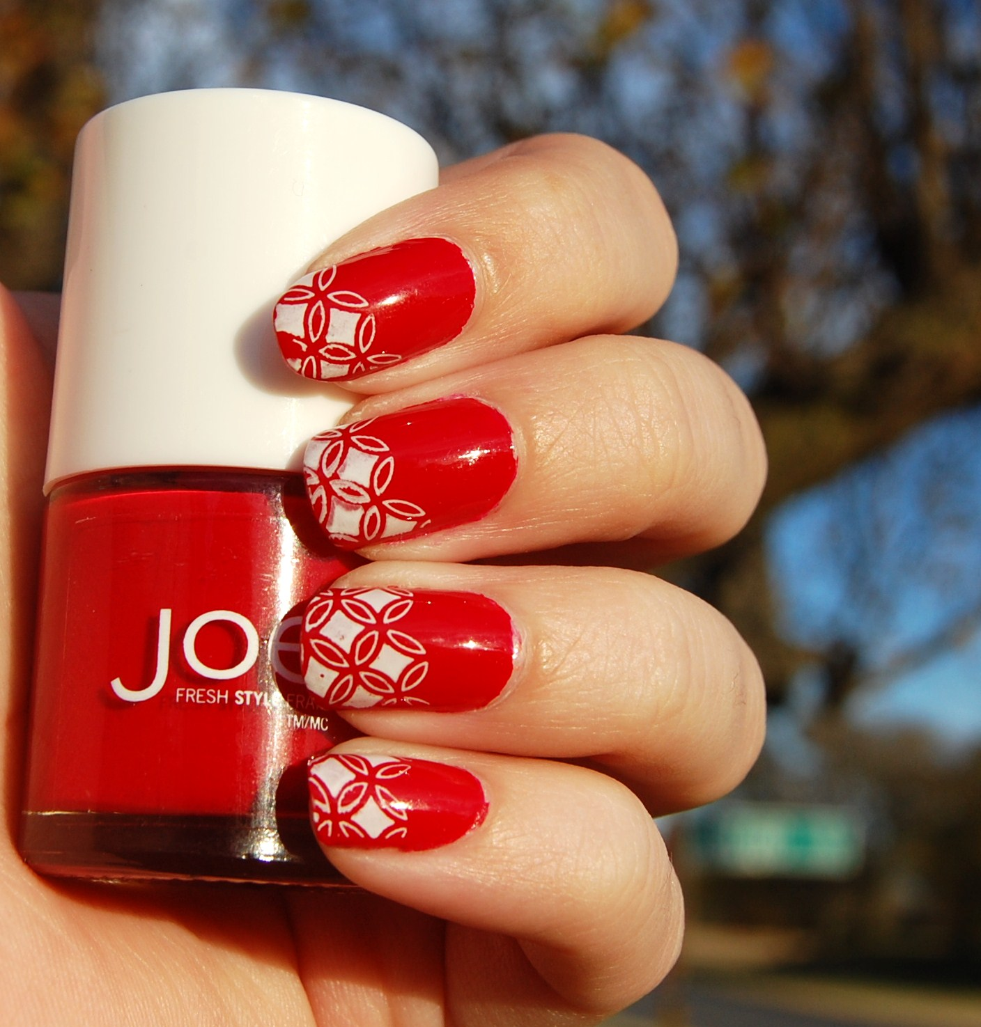 red nail designs 10  10 Attractive Red Nail Designs 2015 red nail designs 10