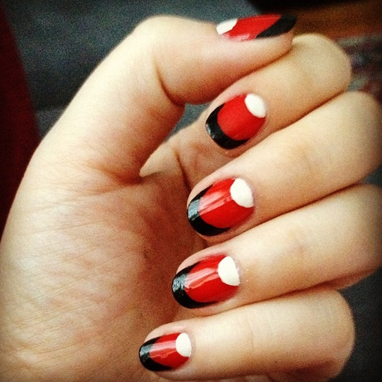 red nail designs 2  10 Attractive Red Nail Designs 2015 red nail designs 2