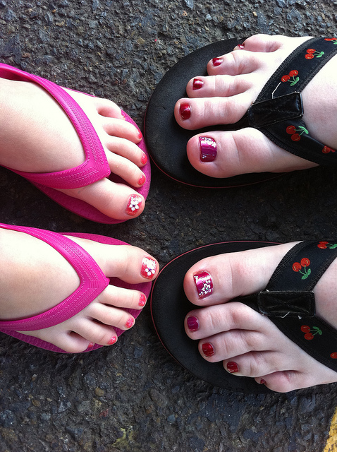 10 12 Cute Mother and daughter with Matching Nails 2015 12 Cute Mother and daughter with Matching Nails 2015 1030