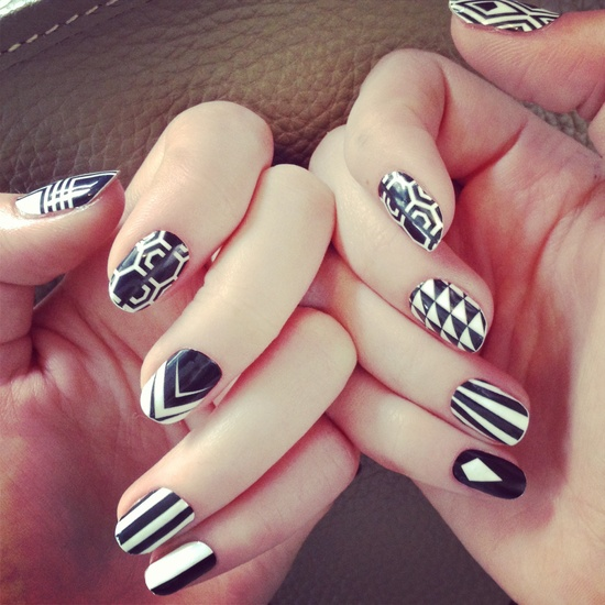 black and white nail art designs 21 25 Unique Black and White Nail Art Designs 2015 25 Unique Black and White Nail Art Designs 2015 black and white nail art designs 21