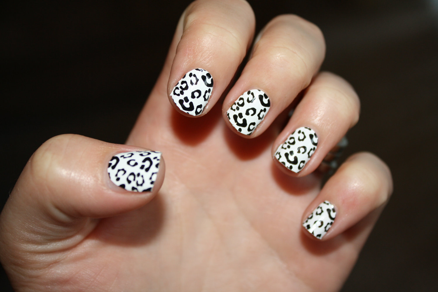 black and white nail art designs 23 25 Unique Black and White Nail Art Designs 2015 25 Unique Black and White Nail Art Designs 2015 black and white nail art designs 23