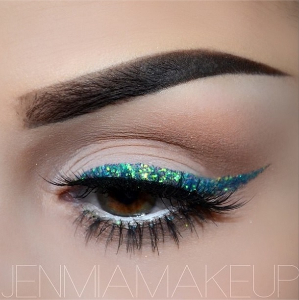 glitter eyeliner ideas How to Apply Glitter Eyeliner Perfectly How to Apply Glitter Eyeliner Perfectly glitter eyeliner ideas2