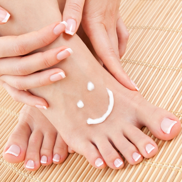 Feet care in summer step by step (2) 10 Ways to Feet care in Summer Step by Step Guide 10 Ways to Feet care in Summer Step by Step Guide Feet care in summer step by step 2