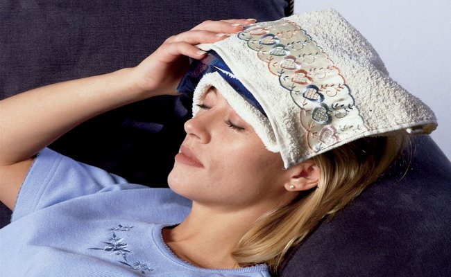 Hot-and-Cold-Compression 5 Best Home Remedies Tips to get Rid of Headaches 5 Best Home Remedies Tips to get Rid of Headaches Hot and Cold Compression