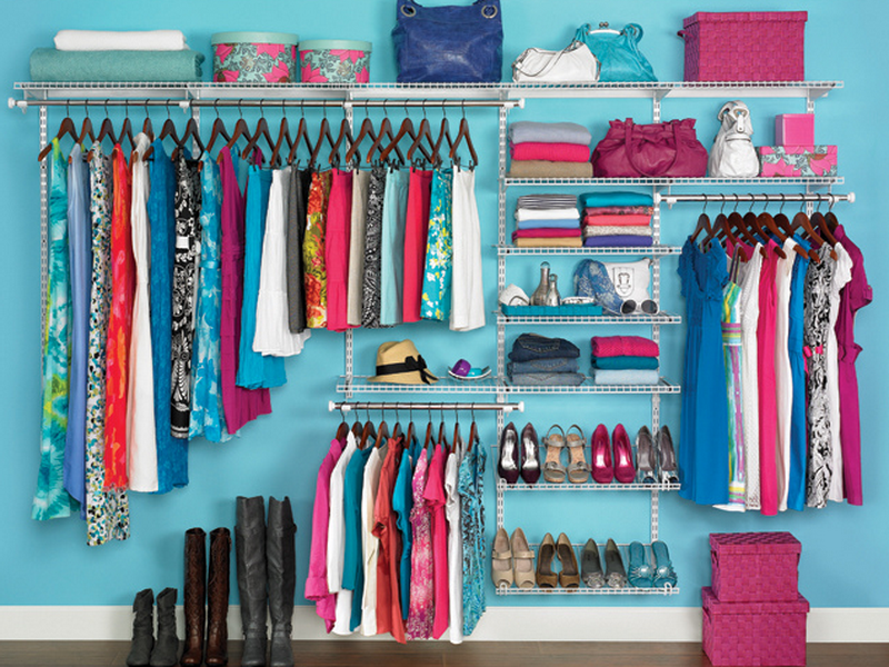 How-to-Organize-Your-Closet-With-Blue-Sea-Wall-Colour 32 Ways to Organize Your Stuff Perfectly in Daily Routine 32 Ways to Organize Your Stuff Perfectly in Daily Routine How to Organize Your Closet With Blue Sea Wall Colour