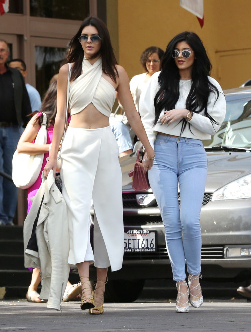 Kendall Jenner Street Style 26 Beautiful And Kylie Styles 2015 16