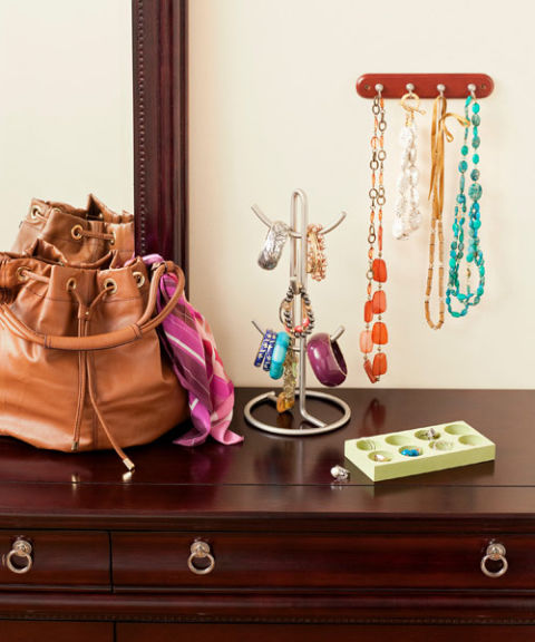 organize-accessories 32 Ways to Organize Your Stuff Perfectly in Daily Routine 32 Ways to Organize Your Stuff Perfectly in Daily Routine organize accessories