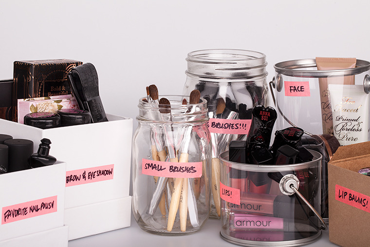 organize makeup 32 Ways to Organize Your Stuff Perfectly in Daily Routine 32 Ways to Organize Your Stuff Perfectly in Daily Routine organize makeup