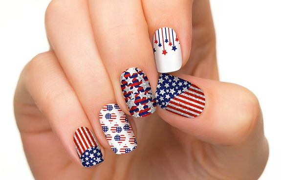 4th-of-july-nail-art-5 21 Awesome 4th Of July Patriotic Day Nail Design Ideas 21 Awesome 4th Of July Patriotic Day Nail Design Ideas 4th of july nail art 5