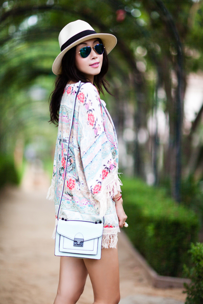 floral dress with sleeves 13 15 Beautiful Long Sleeve Floral Dresses 2015/16 15 Beautiful Long Sleeve Floral Dresses 2015/16 floral dress with sleeves 13