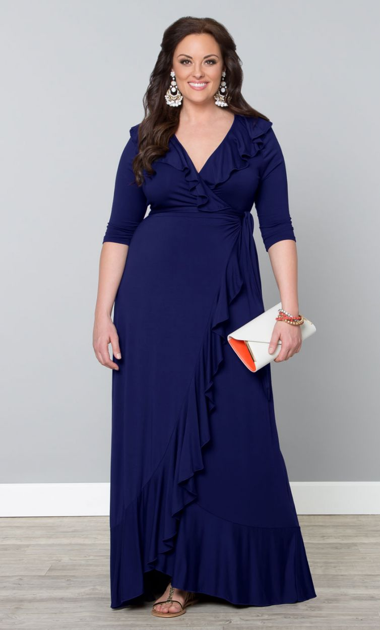 If you're looking for trendy plus size maxi dresses, we carry a vast selection of styles, patterns, and prints. Throw on a maxi for a little easy and effortless elegance. Pair it with strappy sandals and a sunhat and you've got a stunning summer look.