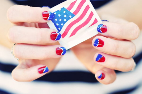 red-white-and-blue-Nail-art-4th-of-July-nails 21 Awesome 4th Of July Patriotic Day Nail Design Ideas 21 Awesome 4th Of July Patriotic Day Nail Design Ideas red white and blue Nail art 4th of July nails