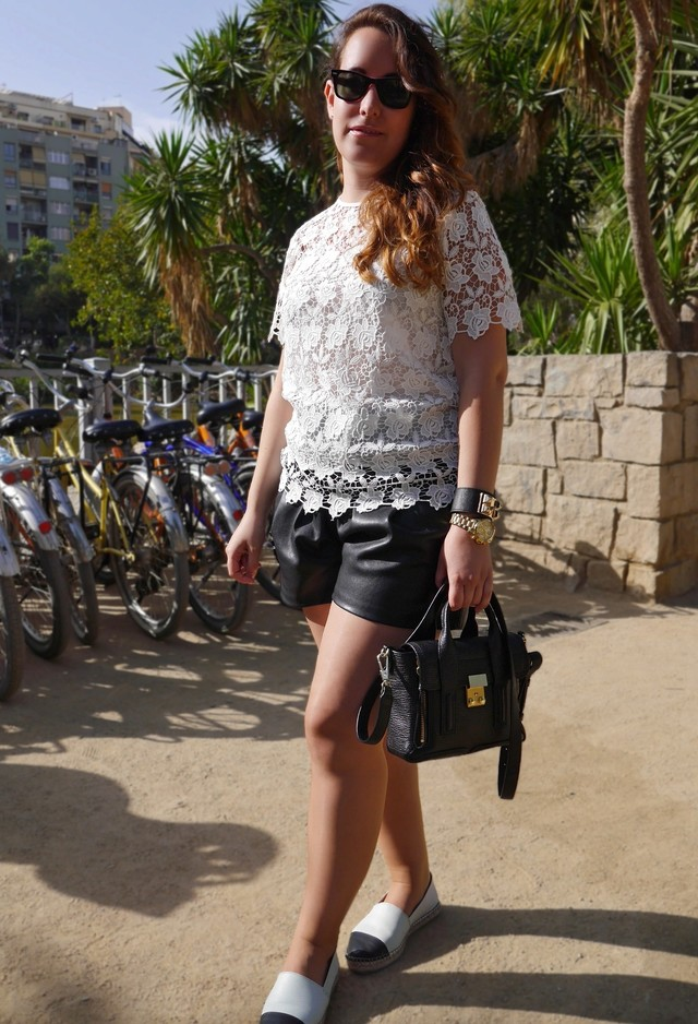 Leather-shorts-with-lace-top 25 Latest Fashion Trends of UK for Shorts in Summer 2015/16 25 Latest Fashion Trends of UK for Shorts in Summer 2015/16 Leather shorts with lace top