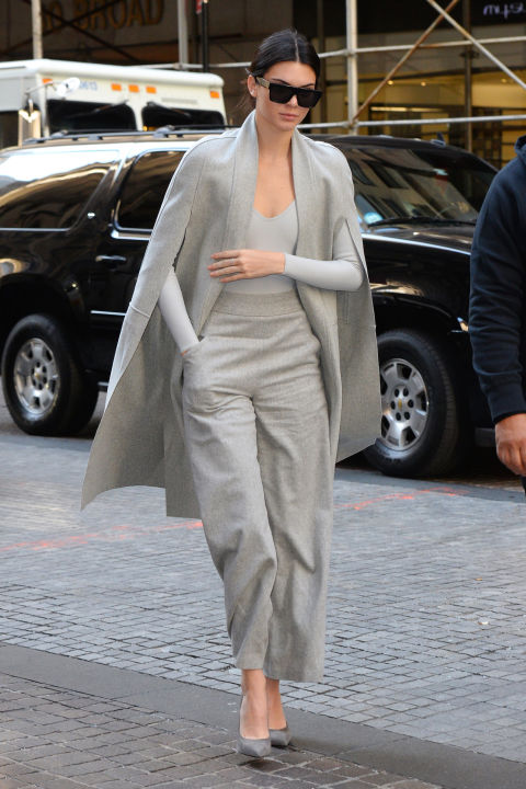 hbz-kendall-jenner-1020 How To Pull Off Monochrome How To Pull Off Monochrome hbz kendall jenner 1020