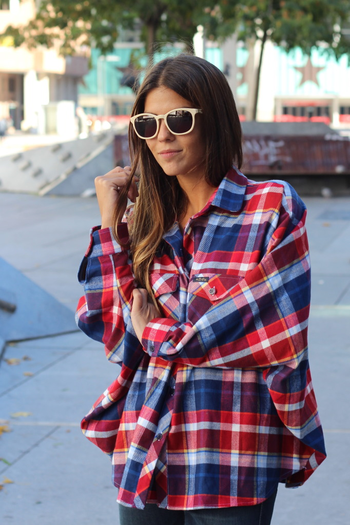 plaid-trend-2015-street-style-5 Is Plaid Still In? Is Plaid Still In? plaid trend 2015 street style 5