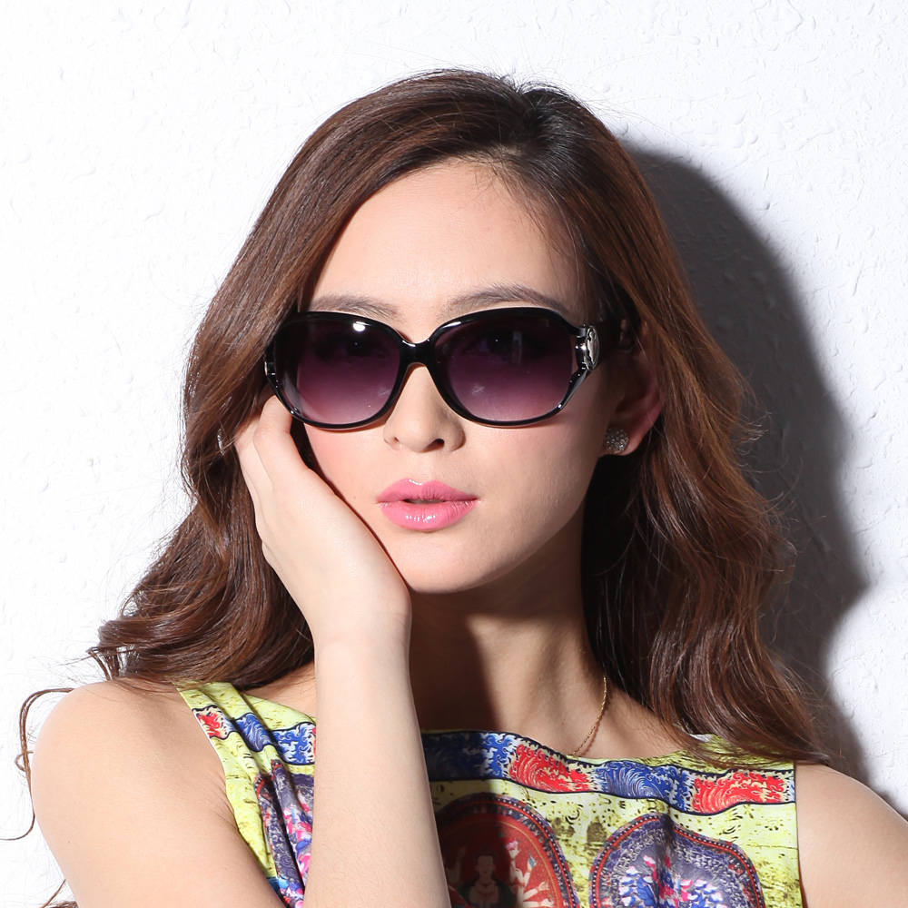 Oversized style. Courtesy of AliExpress  Best summer fashion styles for 2016 10 dollar store Sun shading sunglasses trend Women sunglasses fashion sunglasses free shipping